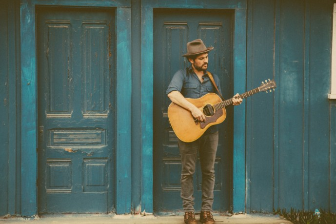 AE-gregory_alan_isakov-photo-credit-Blue-Caleel-1100x733